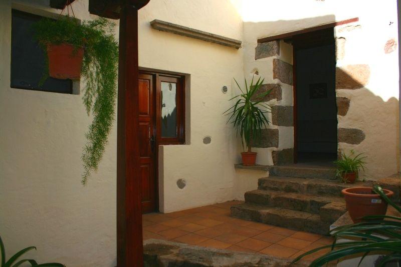 Asetur casa rural casa de atras en ingenio capital - Casas en ingenio ...
